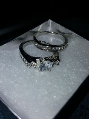 New Sterling silver size 7 wedding set for Sale in MO, US