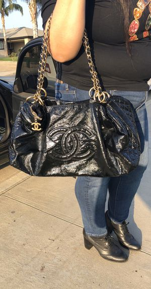 LARGE CHANEL BAG for Sale in Rancho Cucamonga, CA