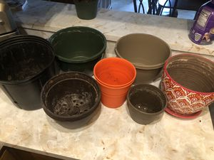 Plant pots and hangers for Sale in Lexington, KY