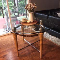 Glass table for Sale in Lynnwood,  WA