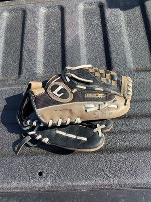 Louisville slugger helix 11 inch baseball glove for Sale in Carrollton, TX