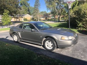 2001 Ford Mustang V6 for Sale in Flossmoor, IL