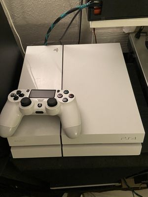 PS4 Jailbroken (Can Play Paid Games for Free) for Sale in Arlington, TX