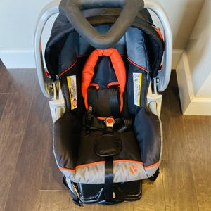 New infant carseat for Sale in Bothell, WA