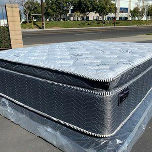 CK Blue Gel Organic Mattress Set! for Sale in Victorville, CA
