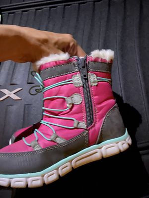 Toddler little girl Size 11 snow boots for Sale in Chandler, AZ