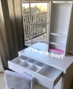 White Vanity Set for Sale in San Diego,  CA