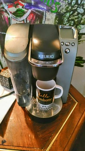 Keurig coffee maker! Perfect condition. for Sale in Houston, TX