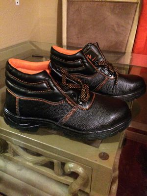 Mens Steel Toed Boots Size 11 for Sale in Baldwin, WI