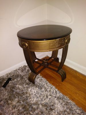 Antique end table for Sale in Gwynn Oak, MD