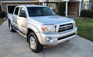 For sale 2005 Toyota Tacoma 4WDWheels Clean Carfax for Sale in Austin, TX