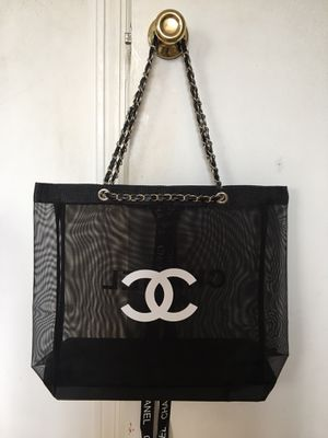 *ONLY 1 LEFT** Authentic BRAND NEW/ NEVER USED VIP GIFT Chanel Mesh Tote! M for Sale in Oceanside, NY