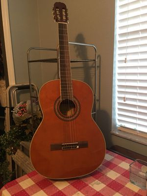 Guitar Carlos Robelli excellent condition never used for Sale in Hialeah, FL