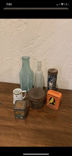 ANTIQUE VINTAGE GLASS BOTTLES METAL TINS CONTAINERS CERAMIC COLLECTIBLES KNICK KNACKS DECOR for Sale in Riverside, CA