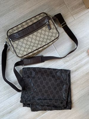 Authentic Gucci GG camera bag for Sale in Gibsonton, FL