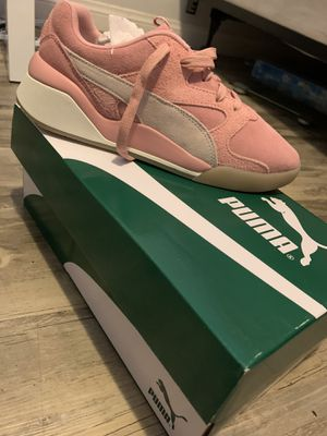 Puma Pink Suede Shoes 8.5 brand new for Sale in Los Angeles, CA