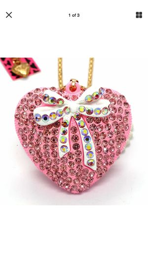 Betsey Johnson beautiful designer Resin pink heart with sparkly crystals and a white bow with rhinestone quality necklace on a gold chain for Sale in Northfield, OH