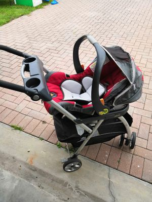 Chicco caddy stroller and base for Sale in Haines City, FL