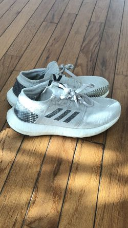 Adidas boost size 5 for Sale in East Peoria,  IL