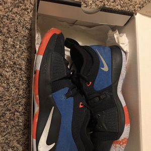 Paul George 2 Kids Shoes Boy Shoes Size 5,5 for Vans Read Description for Sale in San Antonio, TX