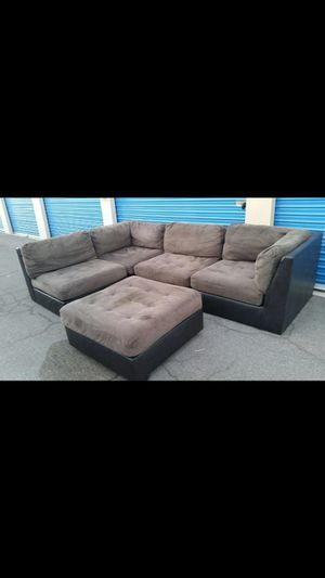 Comfortable sectional couch 4 pieces with ottoman, for Sale in Phoenix, AZ
