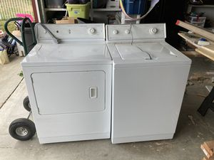 Maytag washer and dryer -Electric for Sale in Sumner, WA