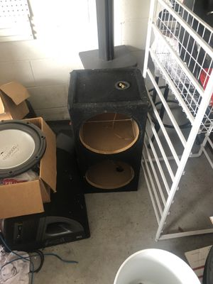"""Dual 12"""" Subwoofers Box for Sale in Oviedo, FL"""