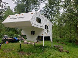 2004 8 ft adventurer camper for Sale in Lake Stevens, WA