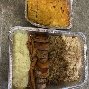Free Thanksgiving Leftovers First Come First Serve for Sale in Itasca, IL