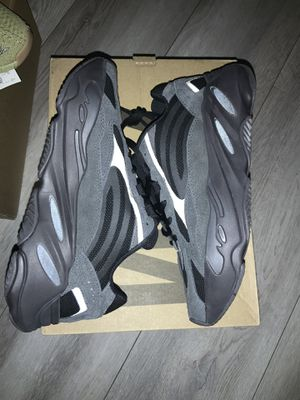 Adidas 700 Men's Sz 7.5 Womens Sz 9 for Sale in Chino, CA