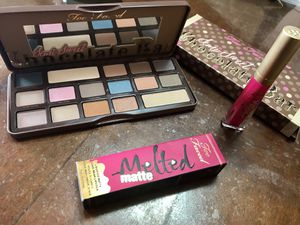 Too faced Mother's Day Kit !! for Sale in El Paso, TX