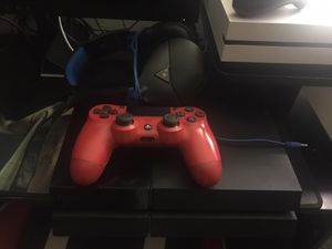 Ps4, 1 Control, and headset $200 obo for Sale in Fullerton, CA