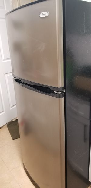 Whirlpool Refrigerator for Sale in Plantation, FL