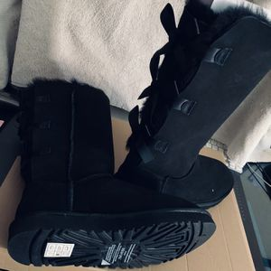 UGG Size 6, 7, Women's for Sale in Bell Gardens, CA