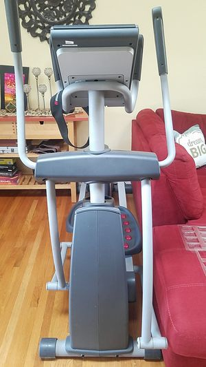 Pro-form Elliptical with automatic incline for Sale in San Fernando, CA