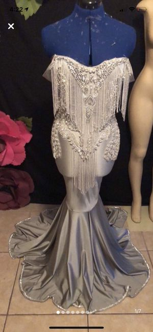 Prom dress for Sale in Pinellas Park, FL