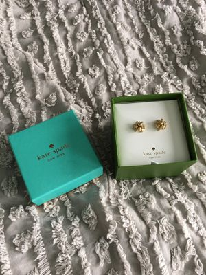 NEW Kate Spade Bourgeois Bow Gold Tone Stud Earrings for Sale in Kirkland, WA