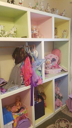 White cubby organizer shelf. for Sale in Clarksville, TN