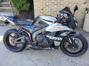 Honda, Cbr600rr repsol for Sale in Mechanicsburg, PA