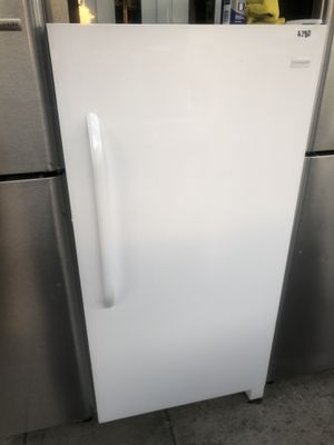 New Frigidaire 13.8 cu ft Upright Freezer for Sale in Fullerton, CA