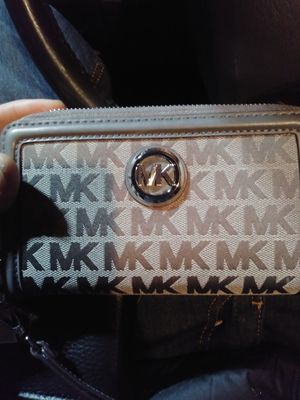 Michael Kors wallet multicolor silver $ 178 in store for Sale in Portland, OR