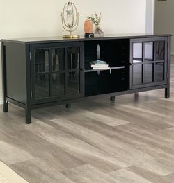 Windham large tv stand Colour :Black for Sale in Bruceville,  TX