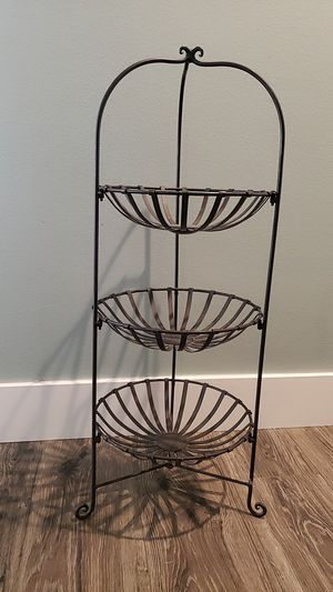 Metal 3 tiered basket shelves. Approx. 32 inch tall for Sale in HUNTINGTN BCH, CA