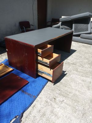 THREE DRAWER OFFICE DESK for Sale in Tampa, FL