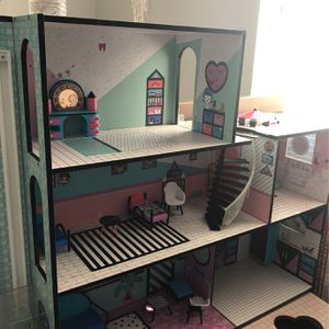 Lol Doll House for Sale in Chula Vista, CA