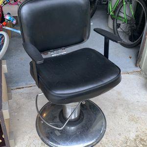 Salon Chair Free for Sale in Oviedo, FL