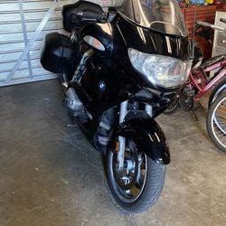 BMW r1150rt Will Trade For mid Or Full-size Truck for Sale in West Hills,  CA
