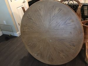 Dining table for Sale in Provo, UT