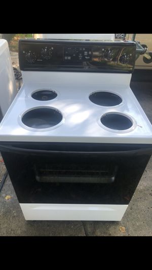 Electric Stove Whirlpool for Sale in Houston, TX