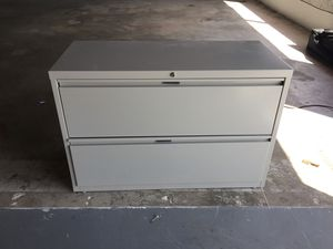 File cabinet great condition for Sale in Port St. Lucie, FL